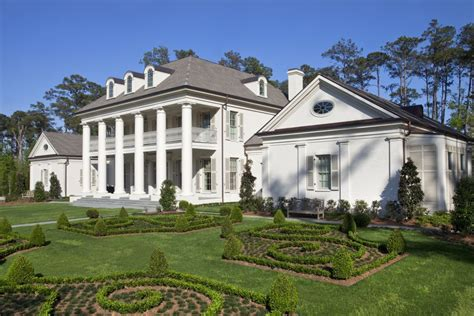 southern style plantation homes