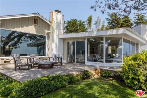 Trulia Malibu by Shaun White S Malibu Compound Is Up For Rent At 17 500 Month