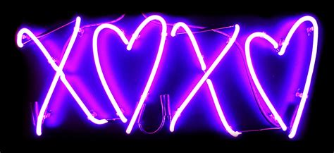 Neon Light Signs by Custom Neon Signs Xoxo Hearts Neon Sign