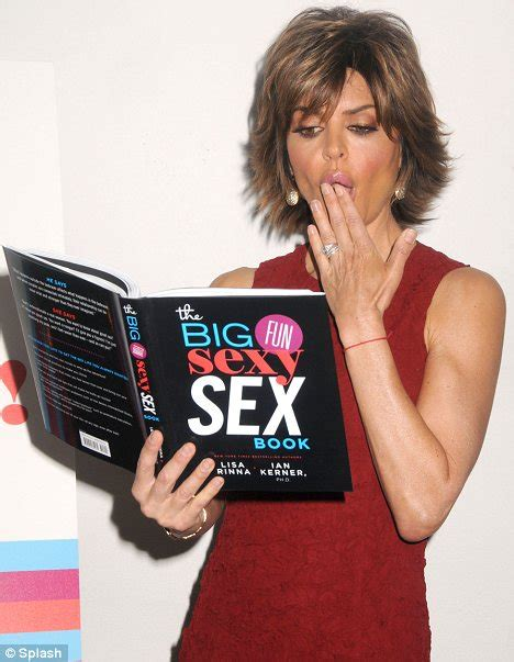 what products does lisa rinna use in her hair lisa rinna shows off her incredible figure in a form