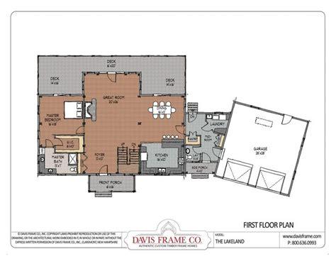 Cross Gable Open Concept Floor Plan: I like the laundry