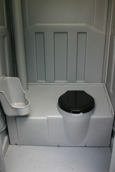 wc mobile toiletten sind f 252 r den kurzen einsatz gedacht