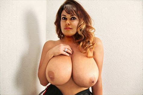 Italian Milf With Very Nice Tatas Ociotube