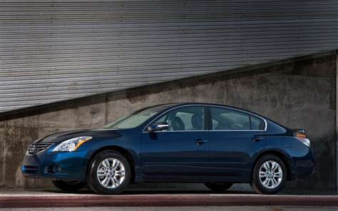 nissan hybrid sedan 2012 nissan altima reviews and rating motor trend
