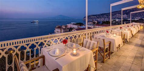 sorrento best restaurants restaurant with sea views in sorrento vesuvio roof