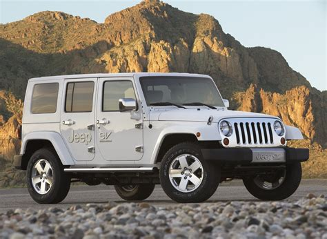 electric jeep chrysler debuts all electric dodge ev jeep ev and