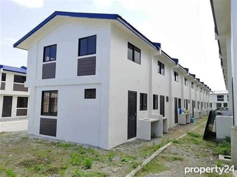 bedroom house lot  sale  tanza city