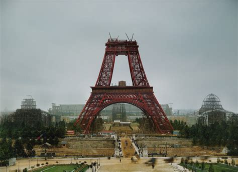 eiffel tower color 10 colorized photos of landmarks construction