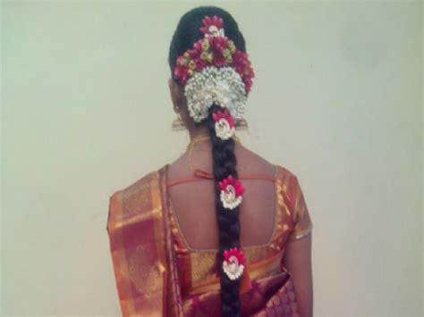 Wedding Hair Accessories In Chennai by Chennai Saravanan Bridal Hair Stylist Hair Stylist In