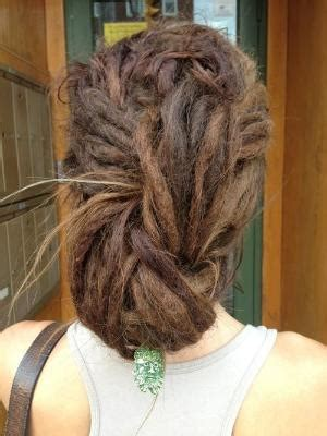 hair illusions dreads basket much easier to make than it first looks