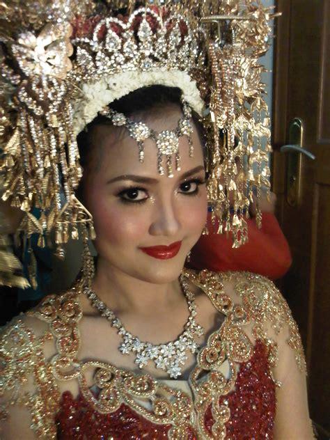 tutorial rias pengantin minang rias pengantin bunga papan standing flower byciaflorist