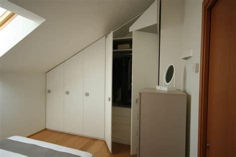 l armadio l armadio per la mansarda le soluzioni ottimali