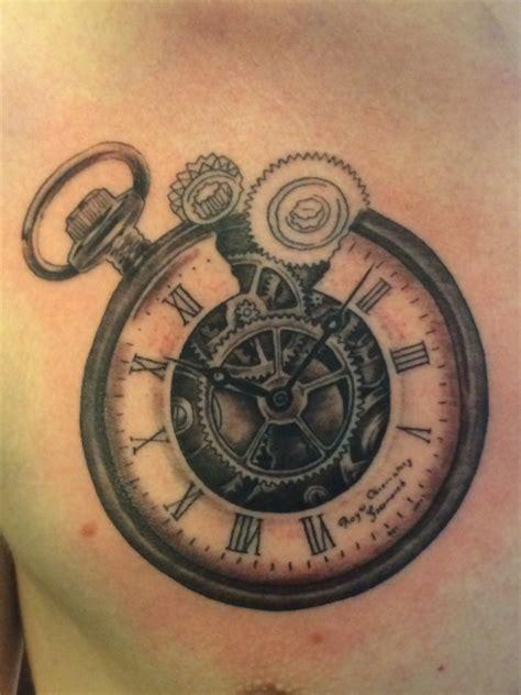 tobiho taschenuhr zahnrad in progress tattoos von
