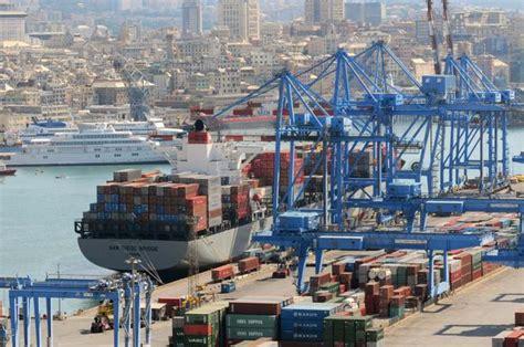 porto di genova impennata record traffico container
