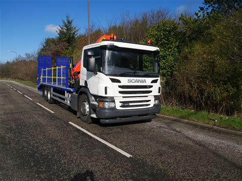 scania p320 26 tonne scania p320 beavertail with palfinger crane truck