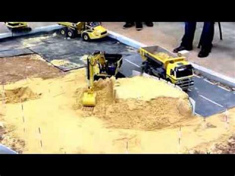 Jual Mobil Truk Remot Kontrol by Mobil Truk Remot Kontrol Ngangkut Tanah