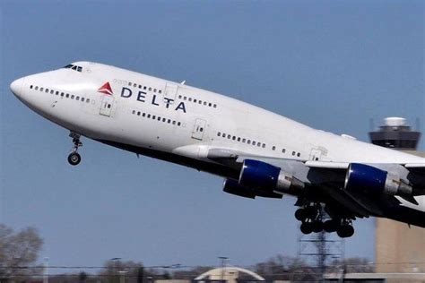 17 best images about cargo airlines delta cargo on jfk hercules and amsterdam