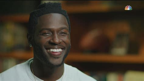 Carvil Antonio Black Brown thankfully antonio brown plays football and a helmet will cover this horrible haircut sbnation