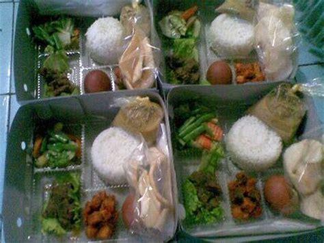 Tupperware Prasmanan win s catering nasi box