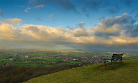 Limestone Benches Readers Walks Cleeve Hill Cheltenham Life And Style