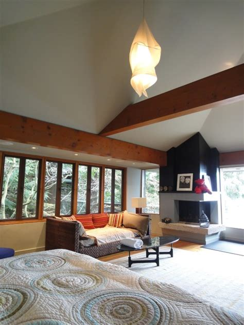 Master Bedroom Vaulted Ceiling by Master Bedroom W Vaulted Ceilings Traditional Living
