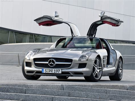 Car Barn Sport: Mercedes Benz SLS AMG