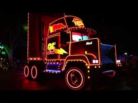 lightning mcqueen disneyland paint the night parade from