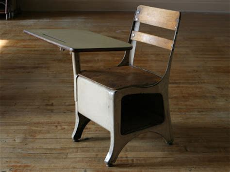 vintage furniture in greenpoint crapwelike