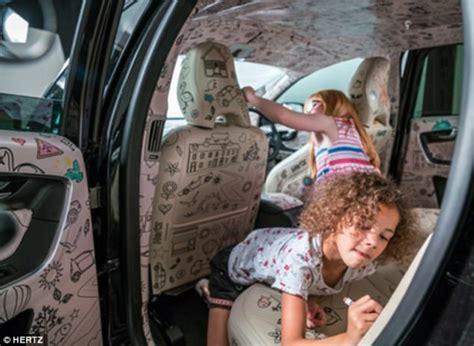 il giornale it interni nasce la prima auto al mondo con gli interni da colorare