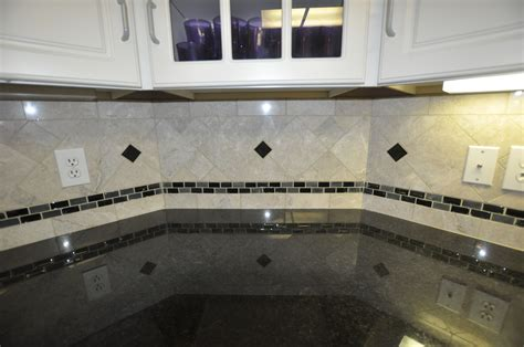 Kitchen Backsplash Glass Tile Designs Black Countertops With Backsplash This Kitchen Backsplash Shows Black Pearl Granite