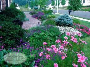 Frontyard Schemes For Front Yard Planting Design Traditional Landscape New