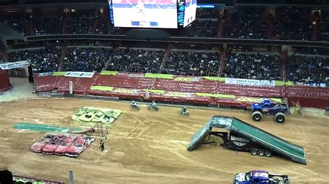 monster truck jam verizon center monster jam verizon center dc stunt moto youtube