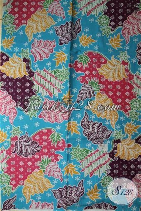 Kemeja Hem Soft Biru Laut kain batik dasar biru laut denagn motif warna warni yang