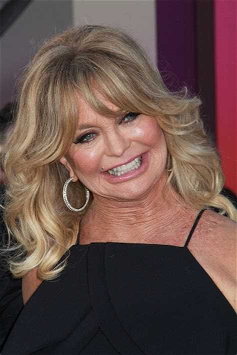 Goldie Hawn Hairstyles by Hairstyles Goldie Hawn Medium Curled Hairstyle With