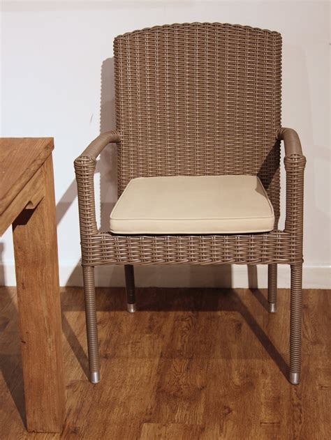 Kubu Dining Chair Kubu Bates Dining Arm Chair