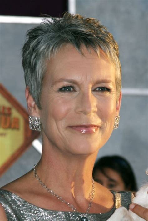 jamie lee curtis so awesome i couldn t deceide if true jamie lee curtis mature hairstyle for all hairstyle