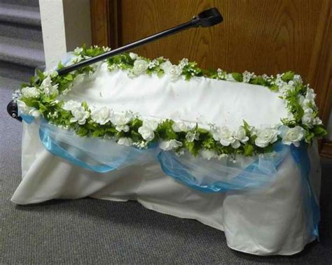 Pictures Of Wedding Wagons For Flower by Wedding Wagons Ring Pictures And White Flowers On