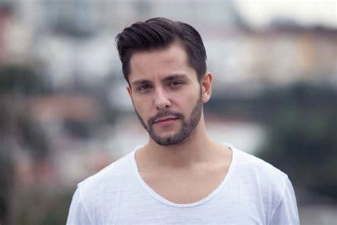 hairstyle rambut pendek pria fade haircut