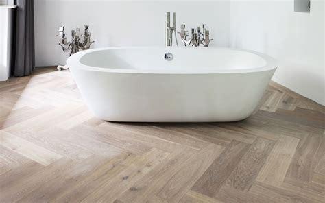 badkamer tegel primer houtlook tegels woonkamer en badkamer portugese tegels