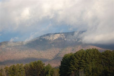 mountains in south carolina with cabins
