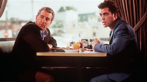 film gangster robert de niro 10 reasons why goodfellas is the most important movie of