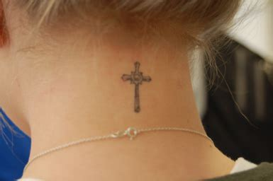 cross tattoos back neck cross tattoos for on back of neck all sub mitted