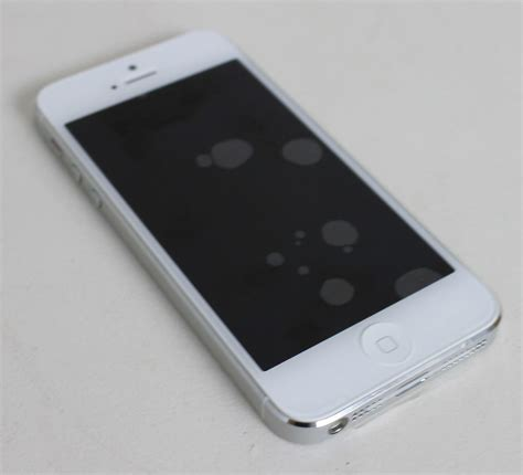 Lcd Iphone 5 16gb apple iphone 5 16gb mobile white silver smartphone 4 quot lcd