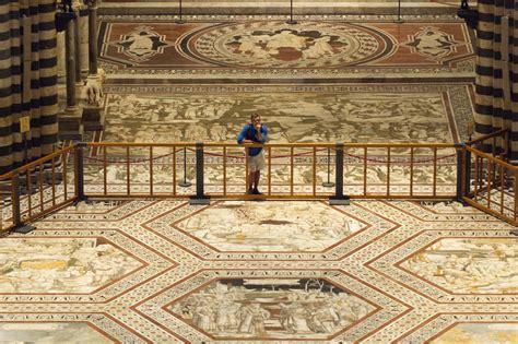 scopertura pavimento duomo siena in lucem veniet il pavimento duomo di siena si