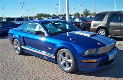 thieves make it look easy, steal 2008 shelby gt from ford