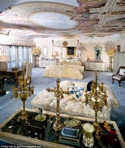 Liberace S Las Vegas Mansion Sold To British Businessman