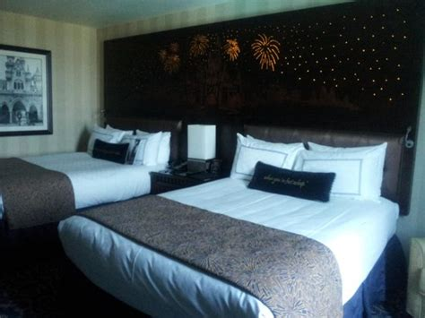 Light Up Headboard by Bed Pillows Picture Of Disneyland Hotel Anaheim