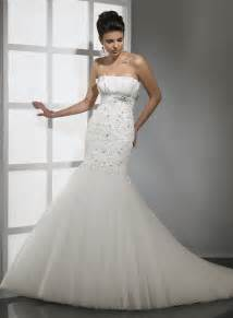 Strapless Wedding Dresses Looking And Elegant With Strapless Mermaid Wedding