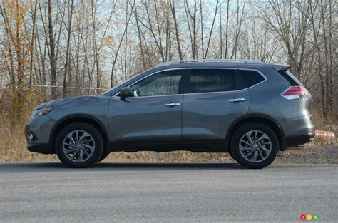 2016 nissan rogue the 2016 nissan rogue keeps families happy car