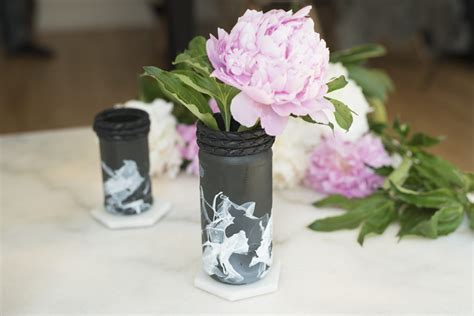 Black And White Flower Vase by Black Vase With White Flowers 28 Images Black And